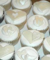 anniversary-cupcake
